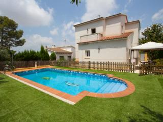 Villa Oasis for 8, only 3.5 km to the beach!, El Vendrell