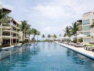 The Elements 224 2 bedrooms ocean view condo, Playa del Carmen
