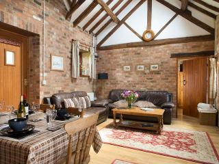 Stables cottage, hot tub&pool,Shakespeare's county