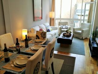 Quiet and bright Flat in Eixample, Paseo de Gracia, Barcelone
