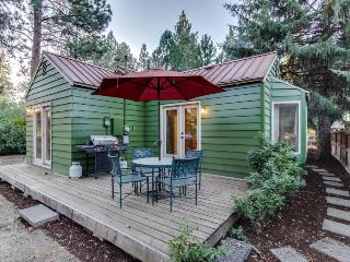 Convenient, refurbished, picturesque cottage near trails and the center of town, Sisters