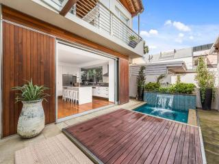 Stunning Immac 4 bed home, Waverley