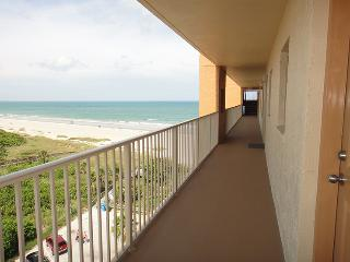 7520 Ridgewood Ave Unit #803 :: Cape Canaveral Vacation Rental