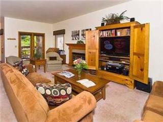 Beautifully Appointed Mountain Village 2 Bedroom Condo - KAY10