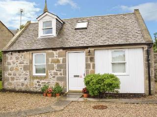 STRUAN COTTAGE, stone cottage, open plan, parking, front garden, in Buckie, Ref 926587