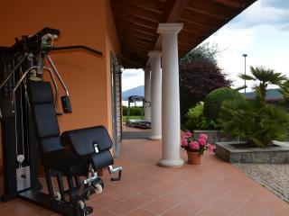 Lake Maggiore Villa with Pool and Walking Distance to Village - Villa Maggiore