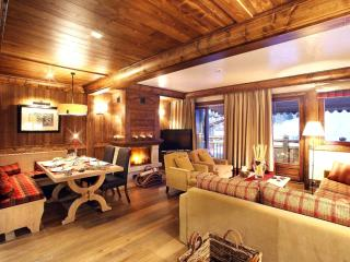 2 bedroom Chalet in Courchevel, Auvergne-Rhone-Alpes, France : ref 5048824