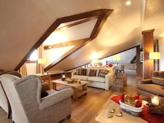 3 bedroom Chalet in Courchevel 1650, Auvergne-Rhône-Alpes, France : ref 5680977