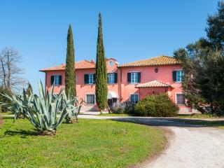 Manor Monte, San Donato