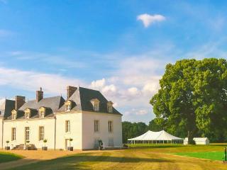 Chateau de la Houlberdiere, Saint-Jean-du-Bois