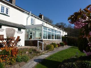 EDGEM Cottage situated in Bideford (3mls S)