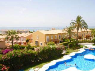 Holiday apartment with sea views, Sitio de Calahonda