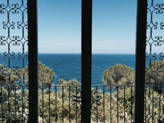mare vista di casa con arco, Porto Tricase