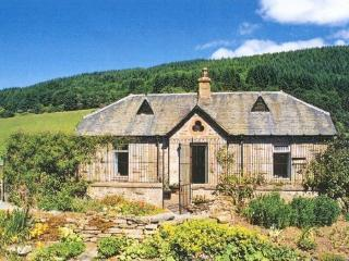 Cosy Estate Cottage 198648, Aberfeldy