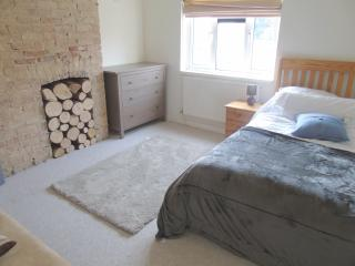 Spacious Room in Central Cambridge