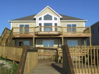 BAREFOOT BUNGALOW, Topsail Beach