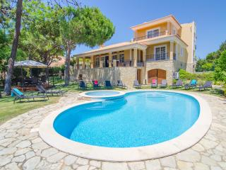 Villa Lira - Superior 6 bedroom Villa in Quinta do Lago