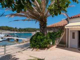 Holiday house near the sea, Mali Losinj
