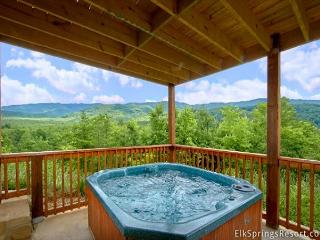 Enjoy amazing views in your private luxury cabin with Home Theater Room!, Gatlinburg