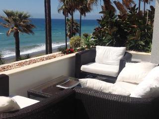 Dominion Beach Apartment, Estepona