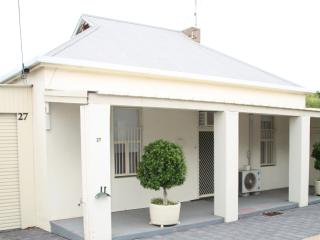 Port Augusta Holiday Rental - 'Squatters Cottage'