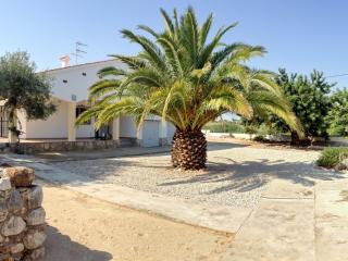 Peaceful villa with private yard, Peniscola