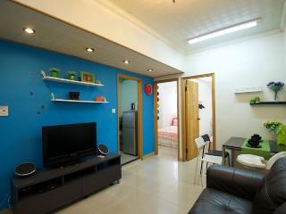 Lovely 3-Bdr Apt 1-9 ppl Downtown by MRT 508