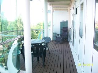 Holiday apartment central Enfield North London 2 beds 2 bath  lovely balcony