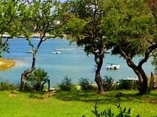 Lake Travis Prime WATERFRONT location w/boat dock!, Lago Vista