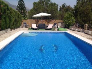 Beautiful Andalucian Villa with 10 x 6 Metre Pool, Vinuela