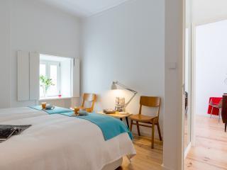 8 FLH Adamastor Sunny Apartment