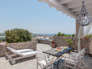 Red Cliff Side Villa in Santorini, Akrotiri