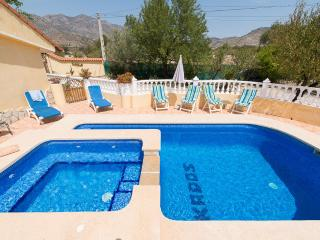 Extensive 5 Bed Villa with 5 Ensuites Private Pool