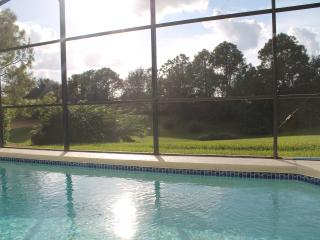POOL HOME WITH GOLF COURSE VIEW!, Haines City