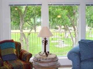 Guadalupe River Retreat - 2BDR/2BTH on the Guadalupe River! Sleeps 6!