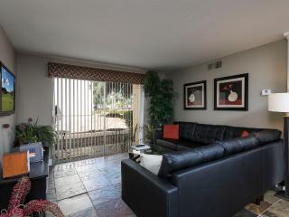 Great 3 Bed Condo in Old Town Scottsdale - Wi-Fi
