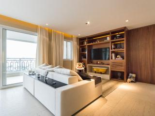 Upscale 2 Bedroom Apartment in Vila Olimpia, Sao Paulo