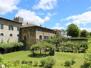 3 bedroom Apartment in Gaiole in Chianti, Chianti, Tuscany, Italy : ref 2293952