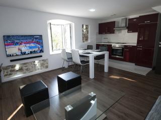 Apartment for 5 in a centre, Makarska