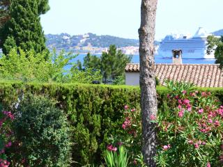 Villa (8 people) with see view and private pool, Grimaud