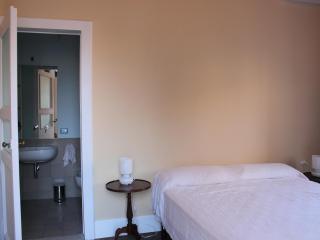 Camera doppia con bagno privato Aci Castello