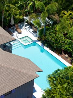 A private mini-resort with huge, magnificent 40' x 22' heated pool with built in hot tub!