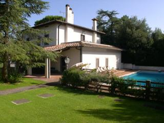 Charming Country house with swimming pool for exclusive use, The House can comfo