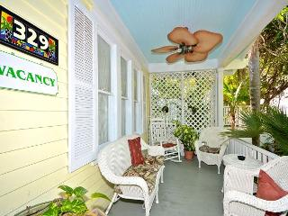 Writer's King Room- Garden House Bed & Breakfast, Key West