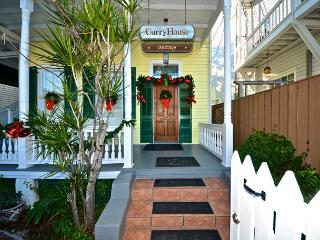 Beautiful & Historic Curry House In 'Old Town' Key West. Private Heated Pool