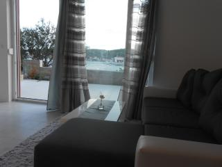 One Bedroom Apartment in Tisno Near the Festival Site