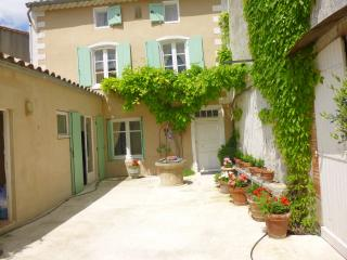 Charming old house  Carcasonne very close to main attractions