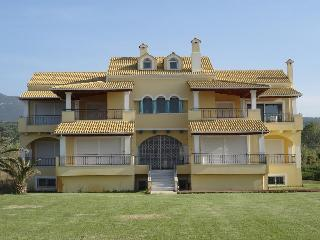 Seaside Yellow House - Mezonette [73 sqrm], Acharavi
