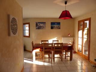 Quiet 3 bed 75m2 bourg ski summer free wifi wii, Bourg Saint Maurice