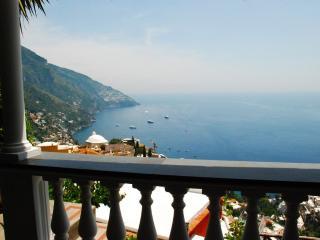 Sunny and cozy apartment in villa - V746, Positano